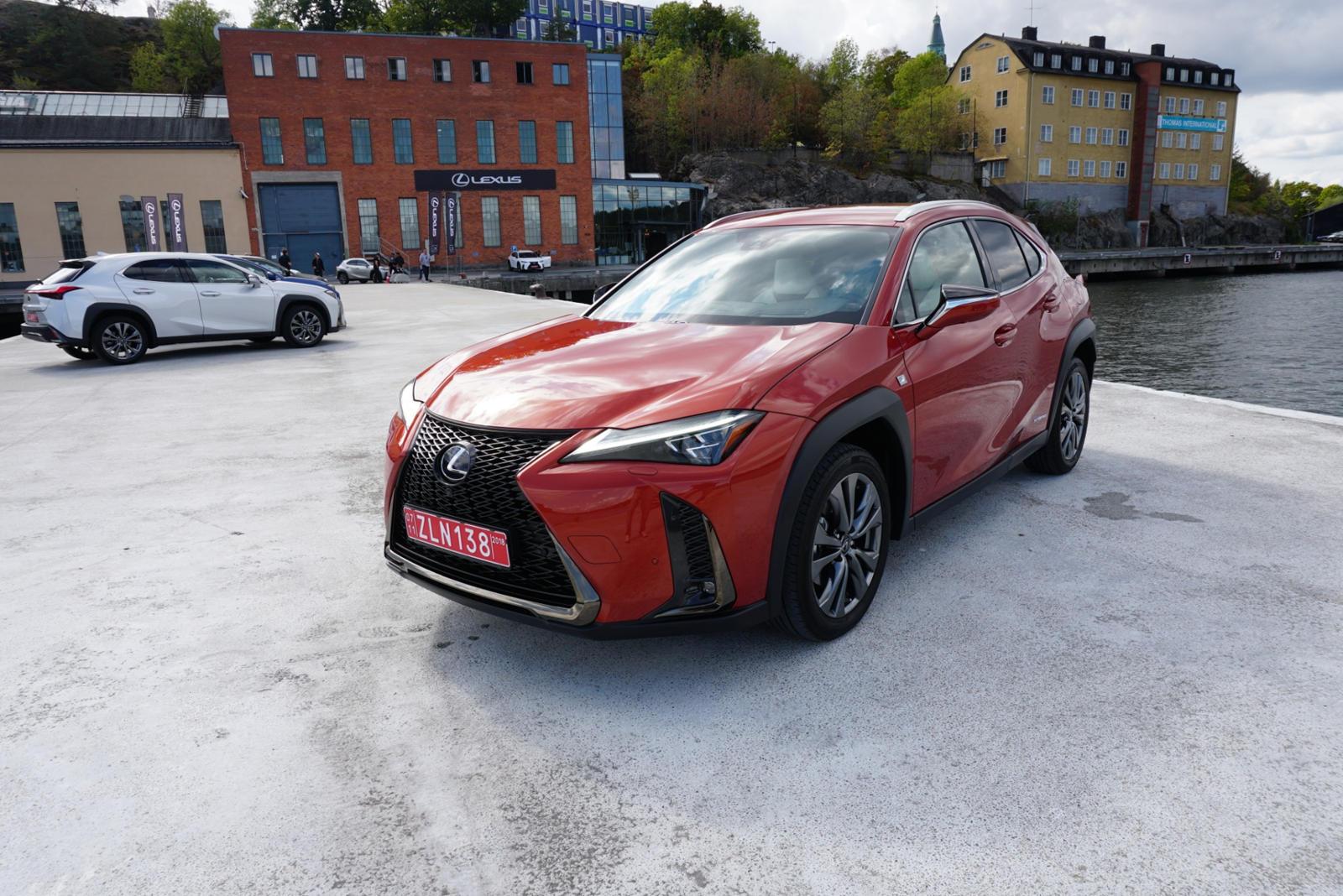 1344 2019 Lexus UX First Drive Review: The Urban Explorer