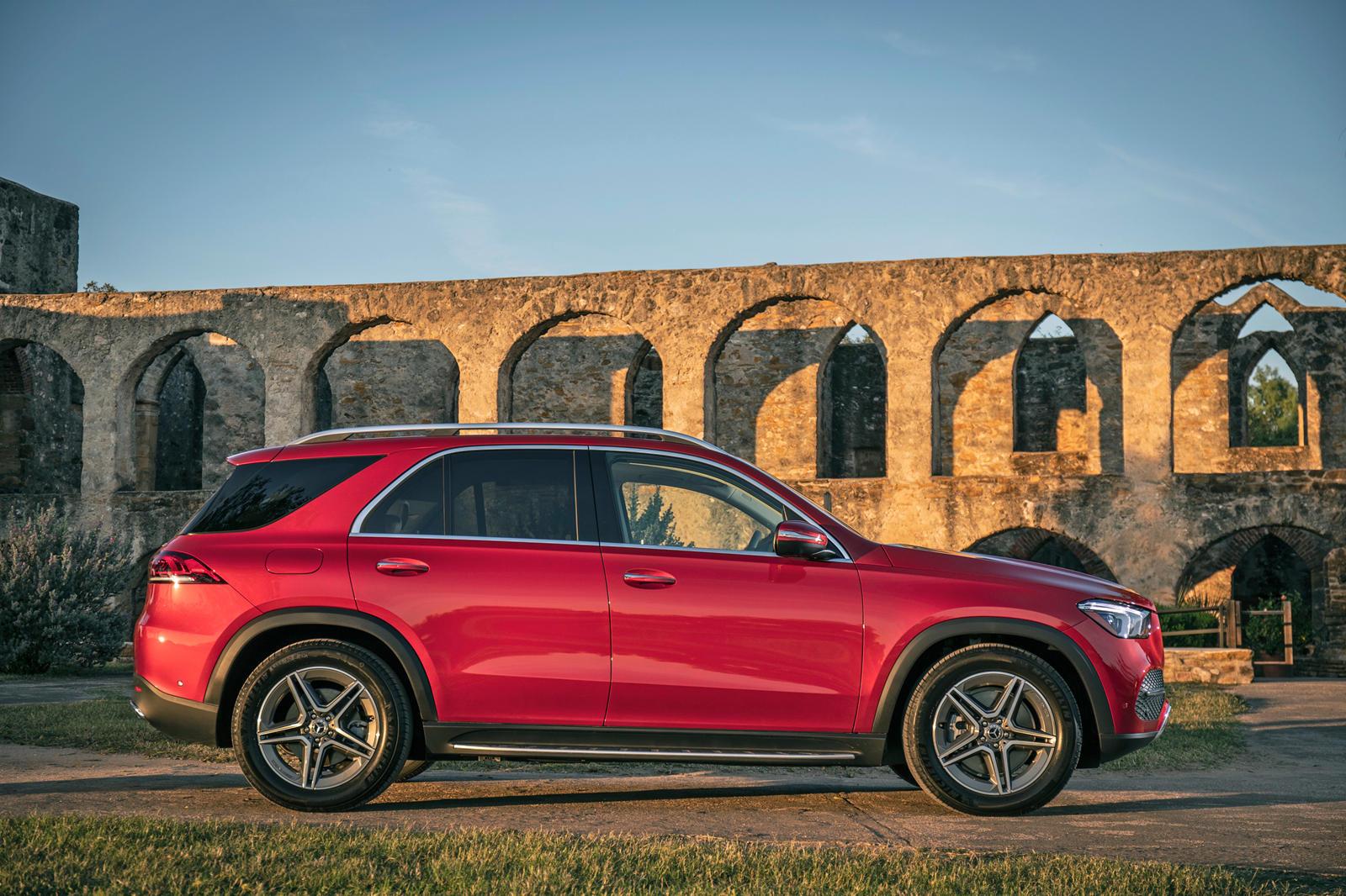 2149 2020 Mercedes-Benz GLE First Drive Review: A Class Apart